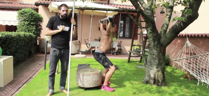 tecnica di esecuzione overhead squat