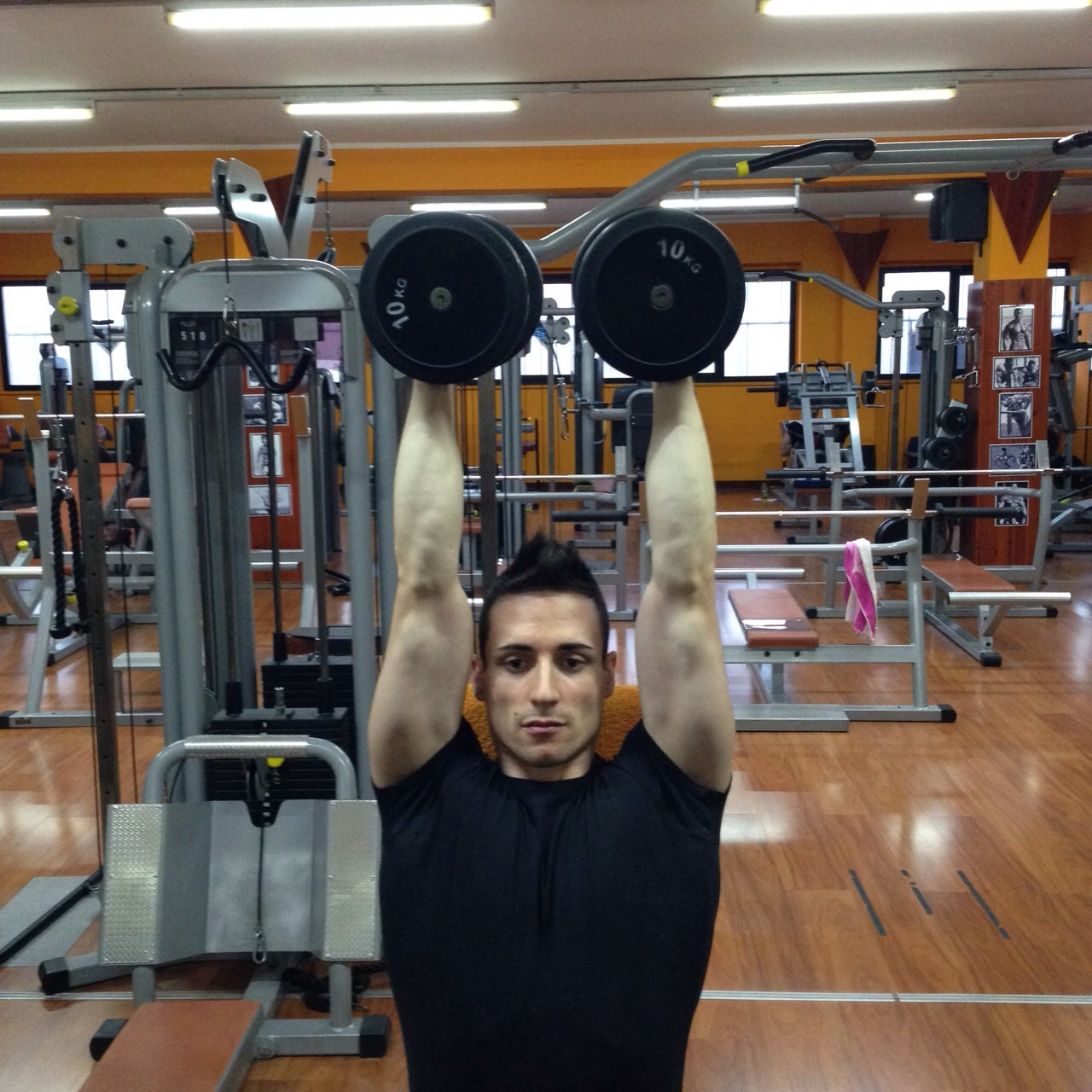 esercizi deltoide