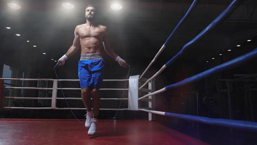 allenamento coi pesi per sport da combattimento