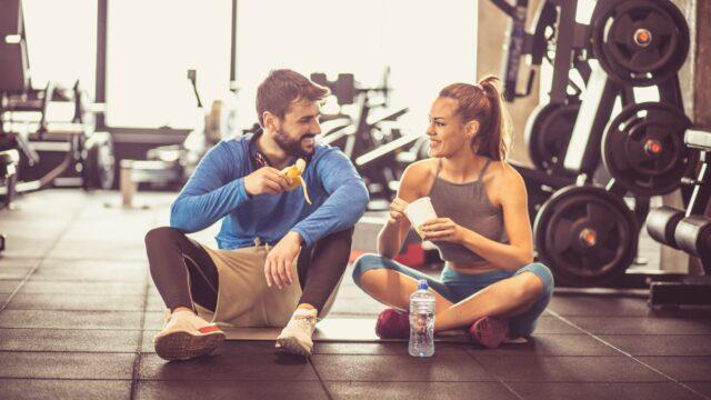 cosa mangiare prima dell'allenamento in palestra