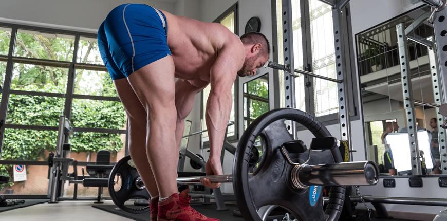 stacco gambe tese bodybuilding