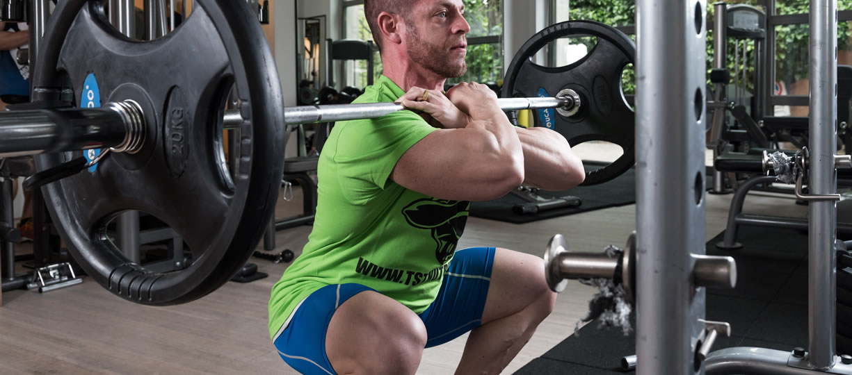 allenamento gambe front squat