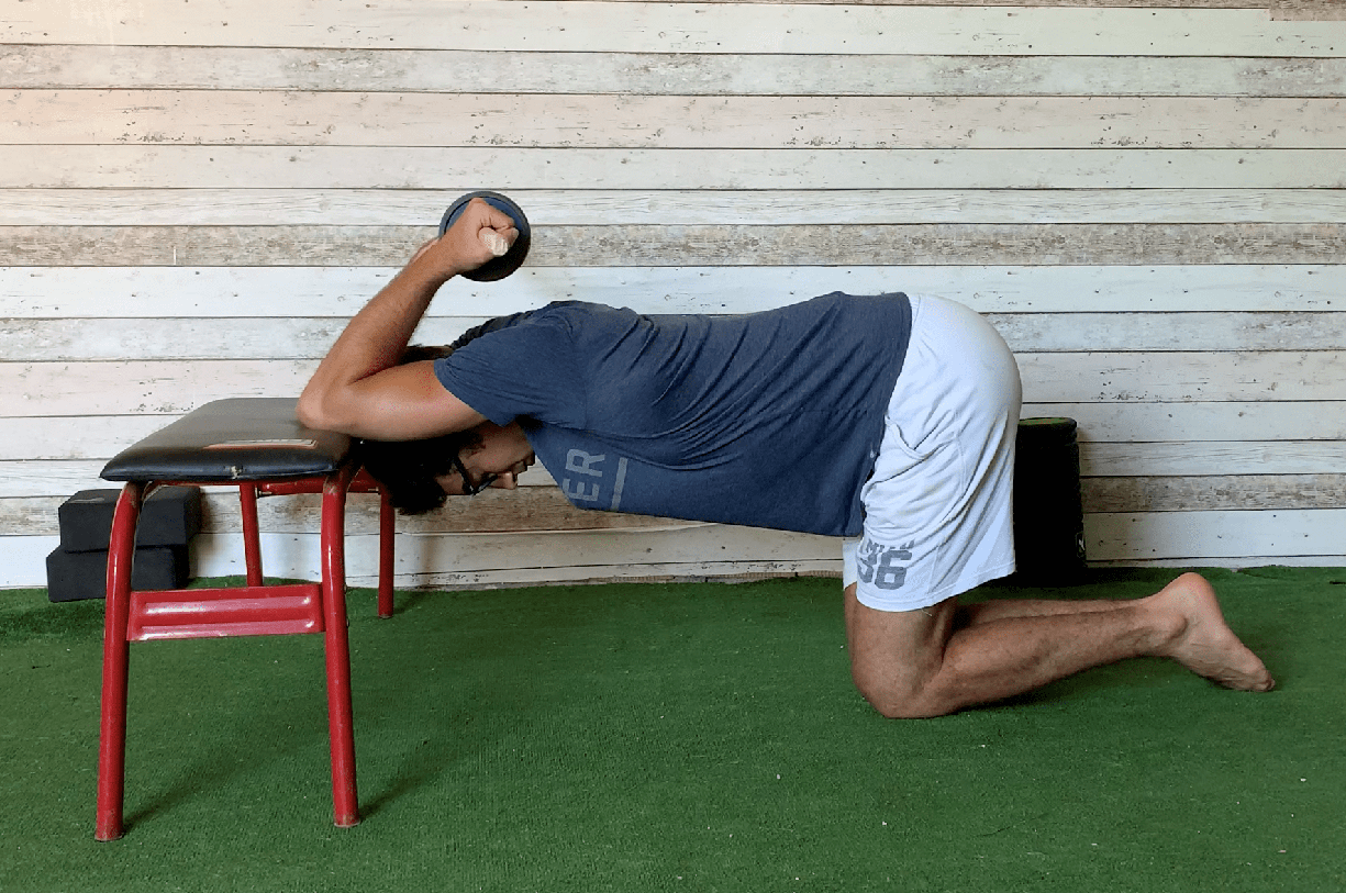 Esercizio stretching spalle