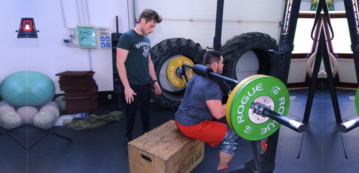 Box squat esecuzione