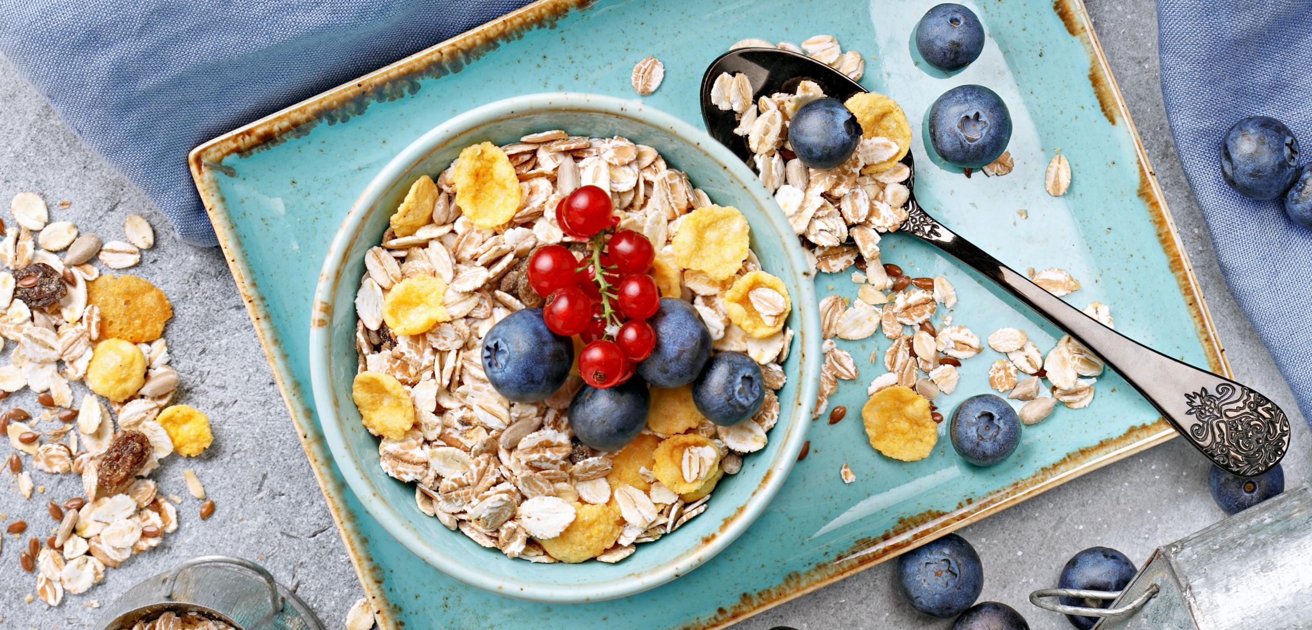 Colazione dietetica con fiocchi di avena per dimagrire
