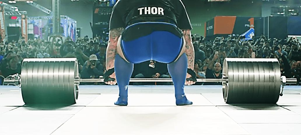 Thor afferra il bilanciere