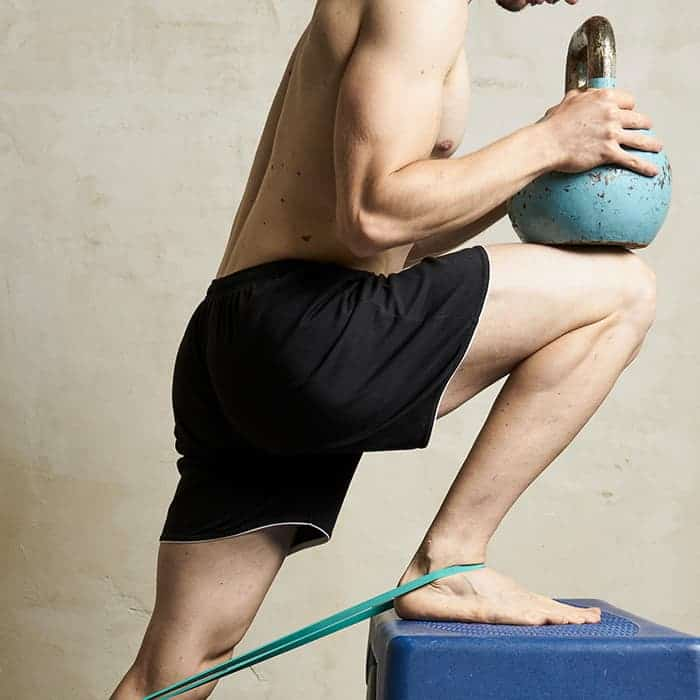 Fitness Posturale 2 step elastico e kettlebell