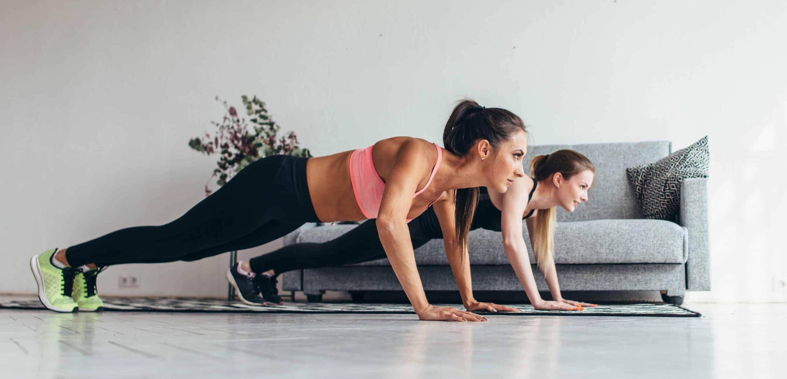 esercizi donna per seno e pettorali