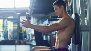 peck deck allenamento bodybuilding